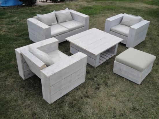 Votre salon de jardin en planches recyclés !