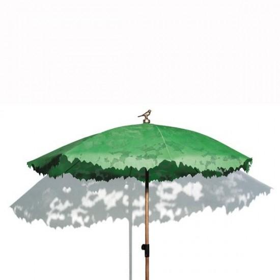 Le Parasol, Objet De Décoration Au Jardin Utile