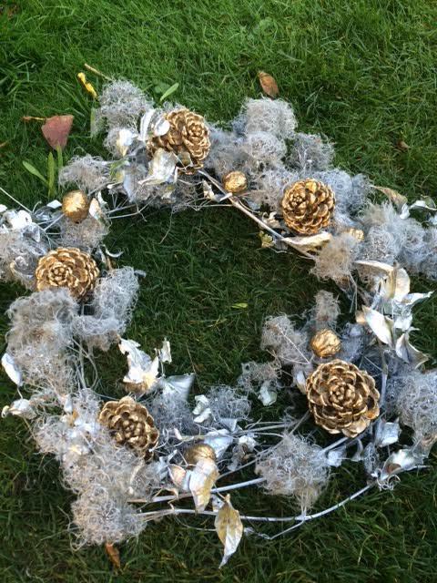 Couronne de Noël en Clématite Sauvage - blog jardin
